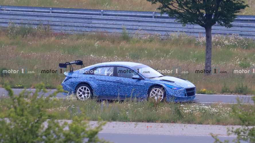 Hyundai Elantra Race Car Spied With Blue Camouflage