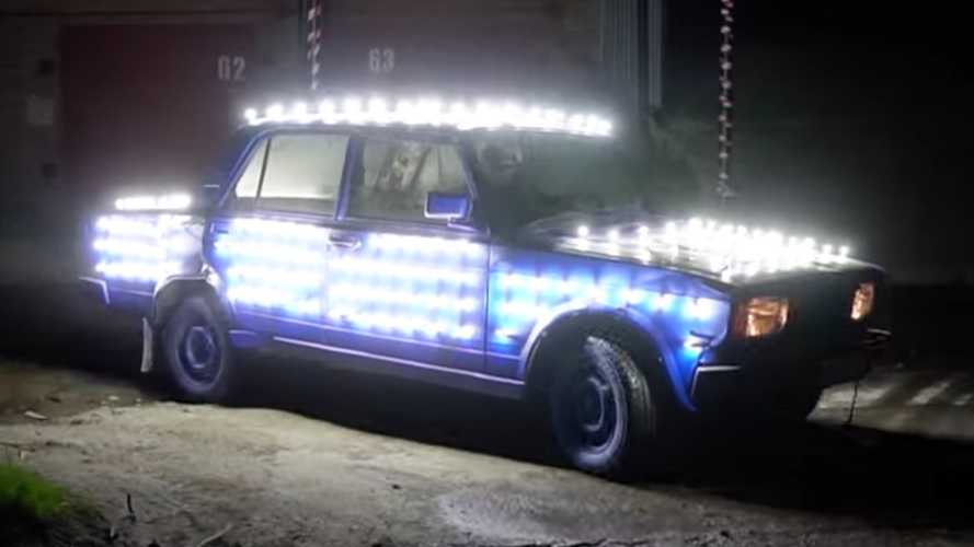 Russians cover car in 300 LED lightbulbs, go driving at night