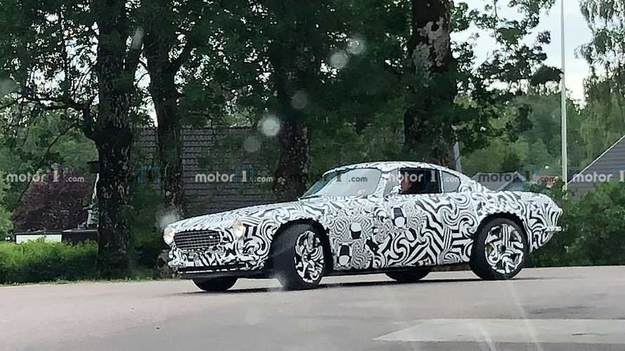 Mystery Volvo P1800 prototype spied: One-off EV in the works?
