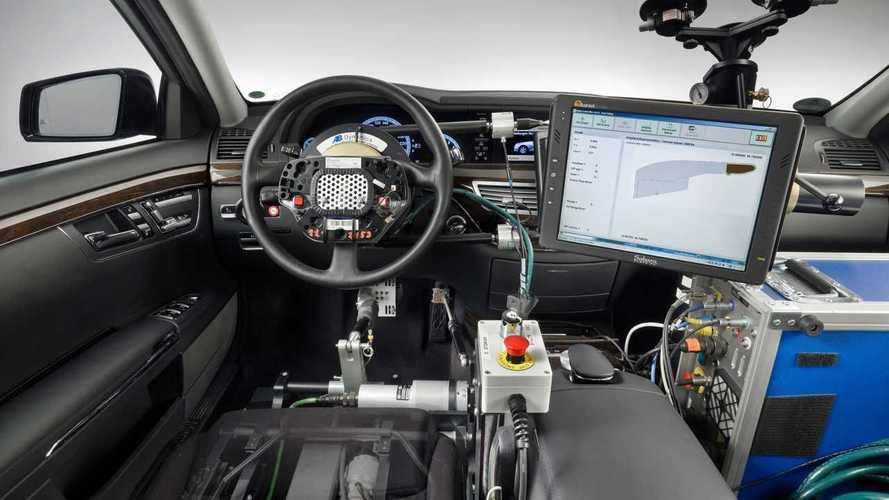 A che punto è davvero la guida autonoma? Parla Mercedes