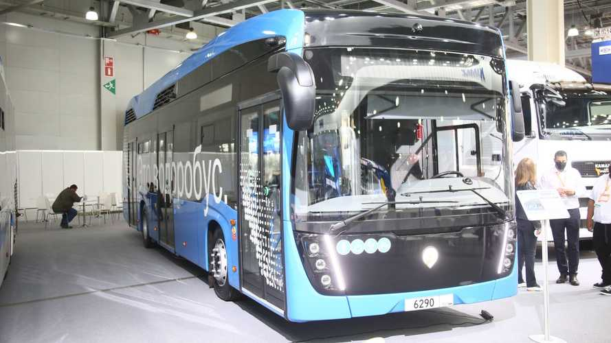 «КамАЗ» показал большой автобус на топливных элементах