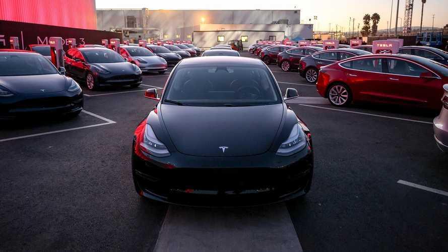 Tesla se torna a 1° marca a vender 2 milhões de carros elétricos