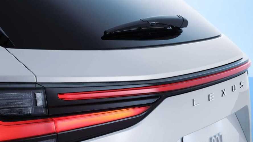 La Toyota Yaris Cross pronta a dare vita a un crossover firmato Lexus