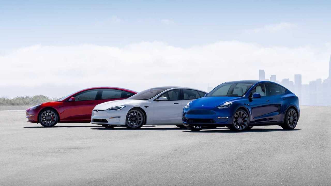 Tesla Presses US To Boost Vehicle Fuel Economy Requirements