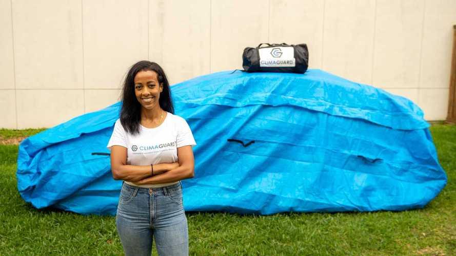 Engenheira cria bolsa para proteger carros durante enchentes