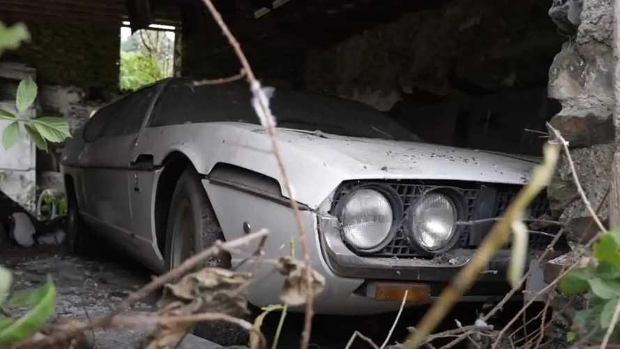 Una Lamborghini Espada abbandonata scoperta in un fienile inglese