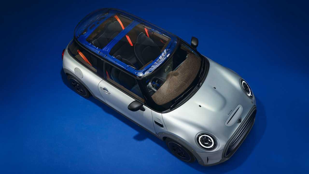 سيارة ميني ستريب ون ميني كووبر أس إي الاختبارية - تصميم بول سميث