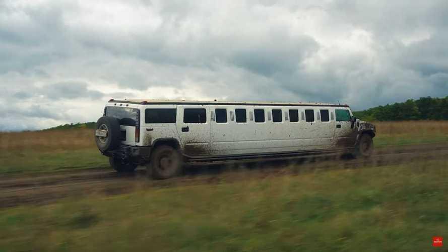 Videón a Hummer H2 limuzin, ami terepjárónak képzeli magát