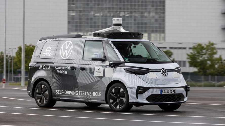 VW ID.Buzz AD: Erster von fünf fahrfähigen Prototypen gezeigt