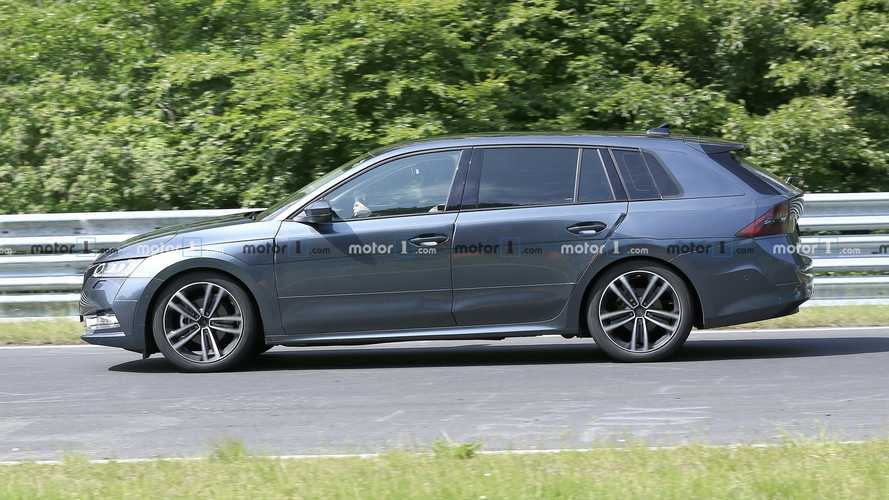2020 Skoda Octavia Combi Spied With Deceiving Camo [UPDATE]
