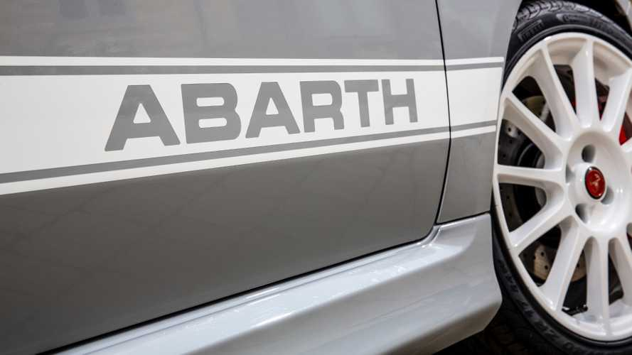 Abarth 595 Esseessee 70th Anniversary (UK-spec)