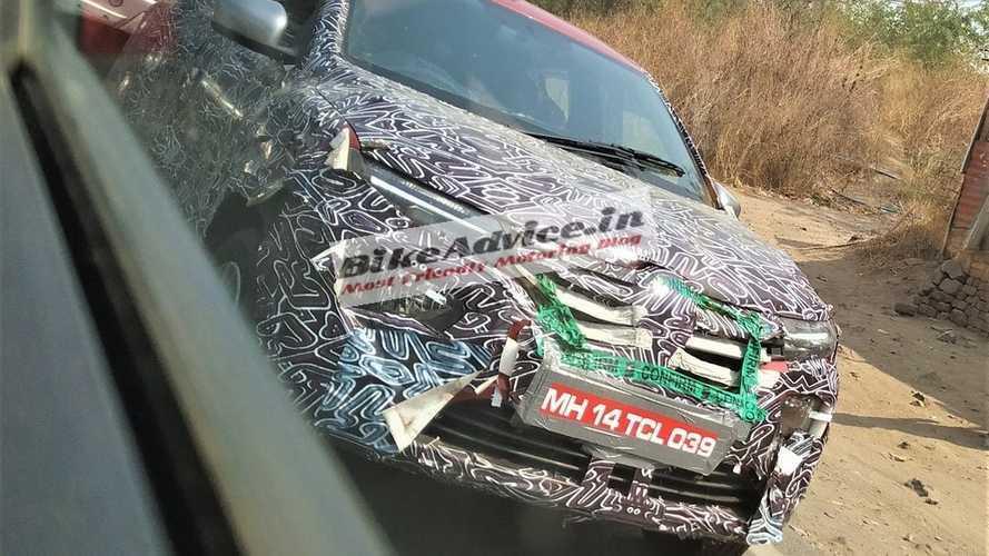 Renault Kwid reestilizado - Flagra na Índia