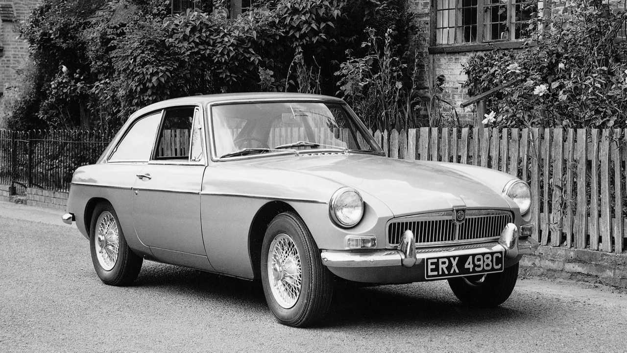 How To Buy The Perfect MGB Sports Car | Motorious