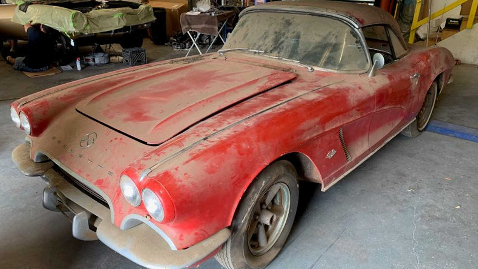 "[""Unrestored Barn Find 1962 Corvette Is An NCRS Survivor Candidate""]"