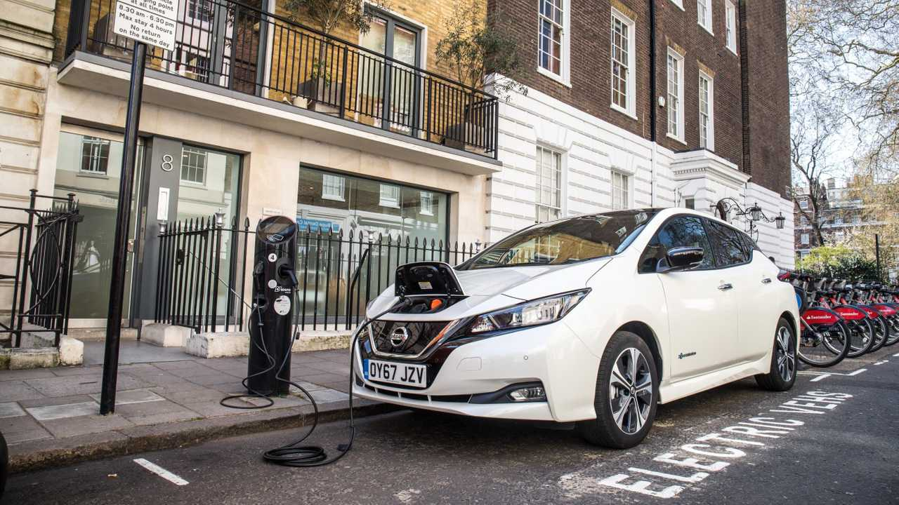 Nissan LEAF charging in UK
