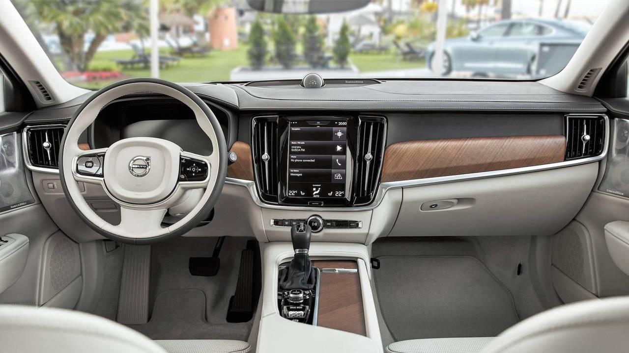 Volvo V90 2018 interior