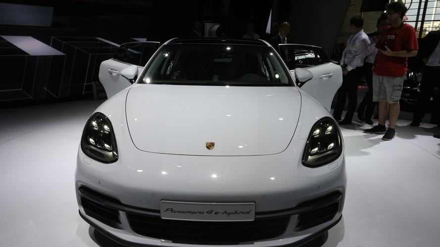 Porsche Panamera 4 e-hybrid Paris Otomobil Fuarı