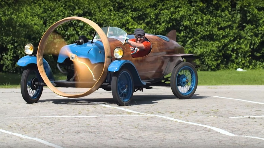 Watch the bizarre propeller-powered 1932 Helicron in action