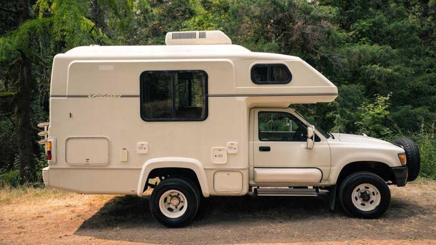 1993 Toyota Hilux Galaxy Camper