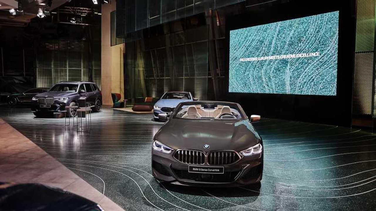 Új hely a BMW Welt-nél