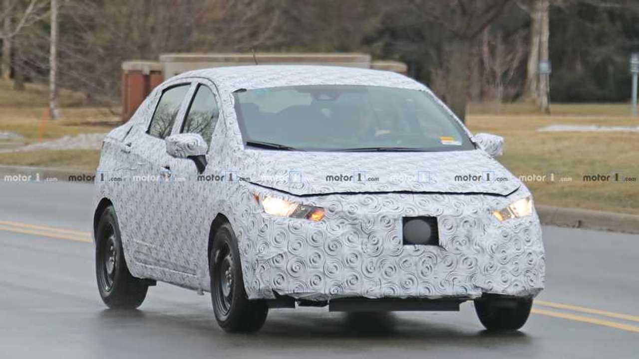 Nissan Versa 2020 - Flagra nos EUA