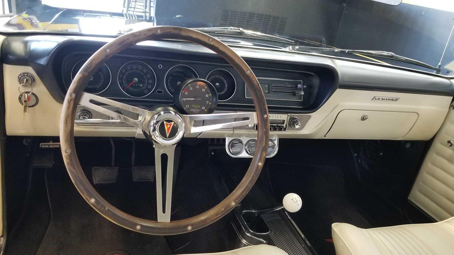 """[""""1964 Pontiac Tempest LeMans""""]"""