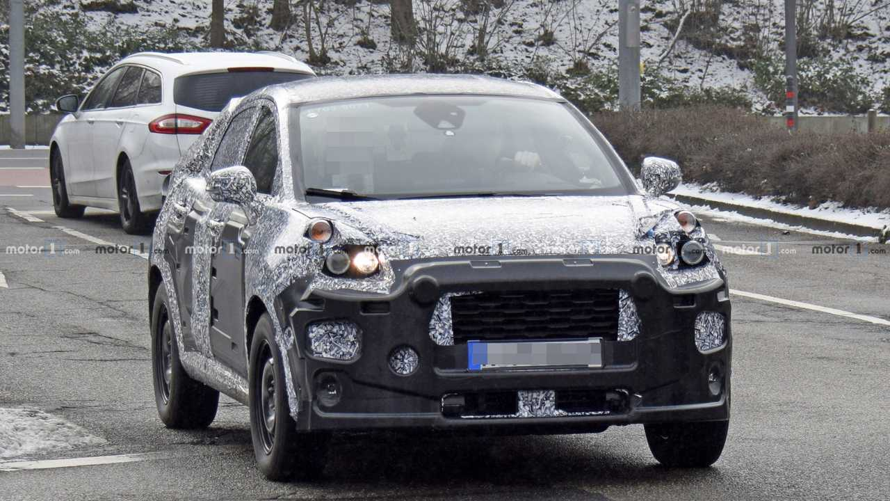 Ford SUV prototype spy photo