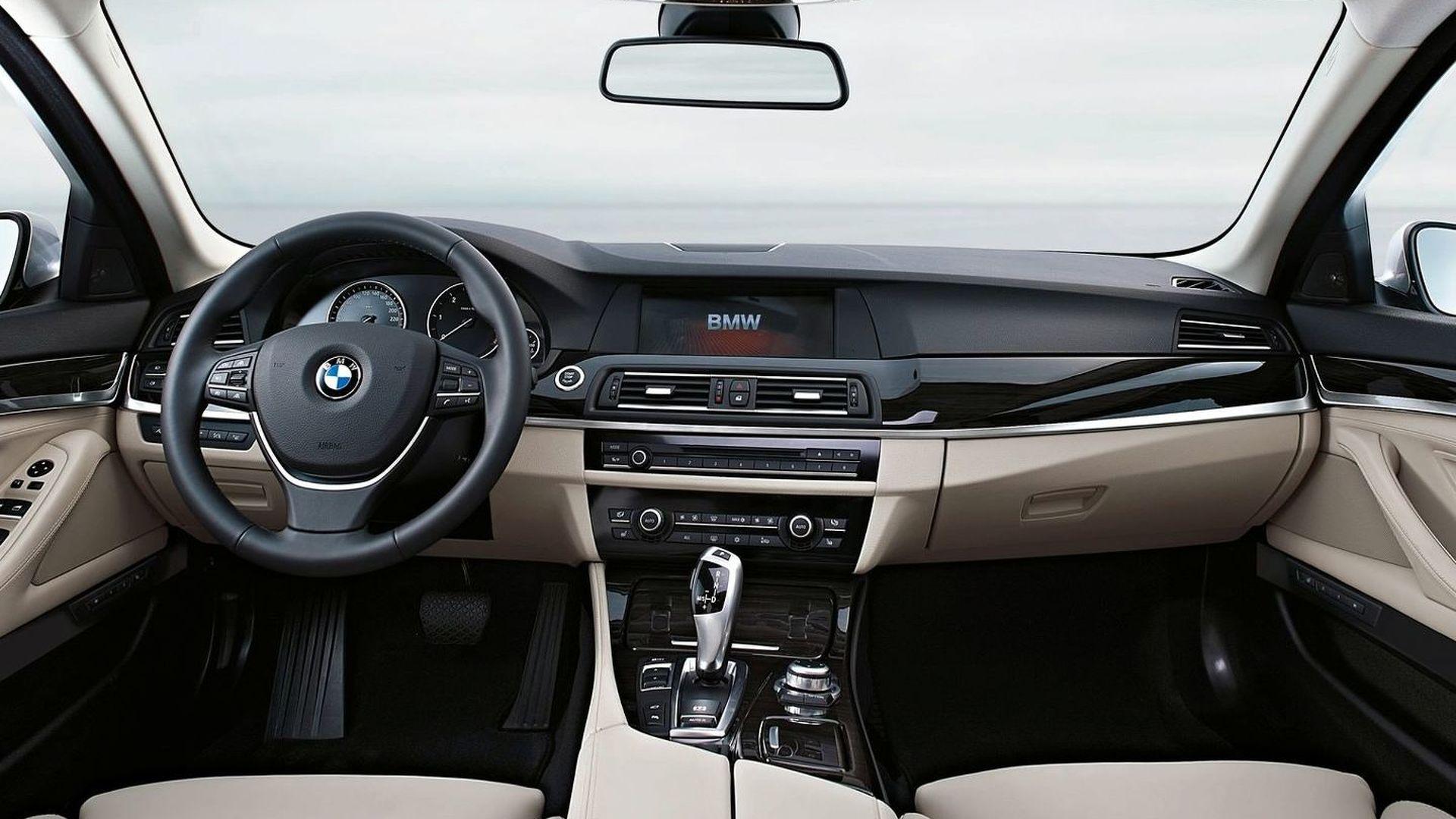 Nieuw 2011 BMW 5-Series F10 Sedan Revealed [Video] KM-35