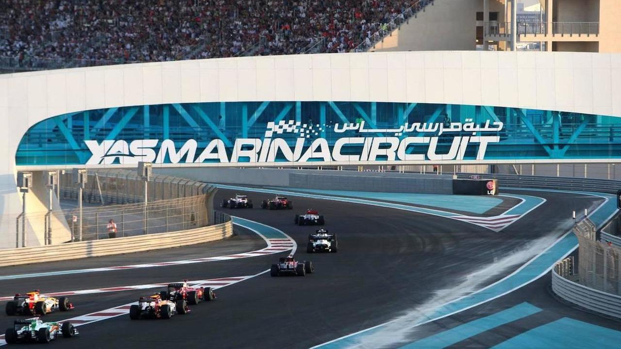 Race action - Formula 1 World Championship, Rd 17, Abu Dhabi Grand Prix, 01.11.2009 Abu Dhabi, United Arab Emirates