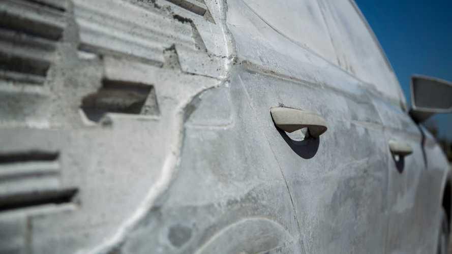 Seat Arona, une sculpture en ciment