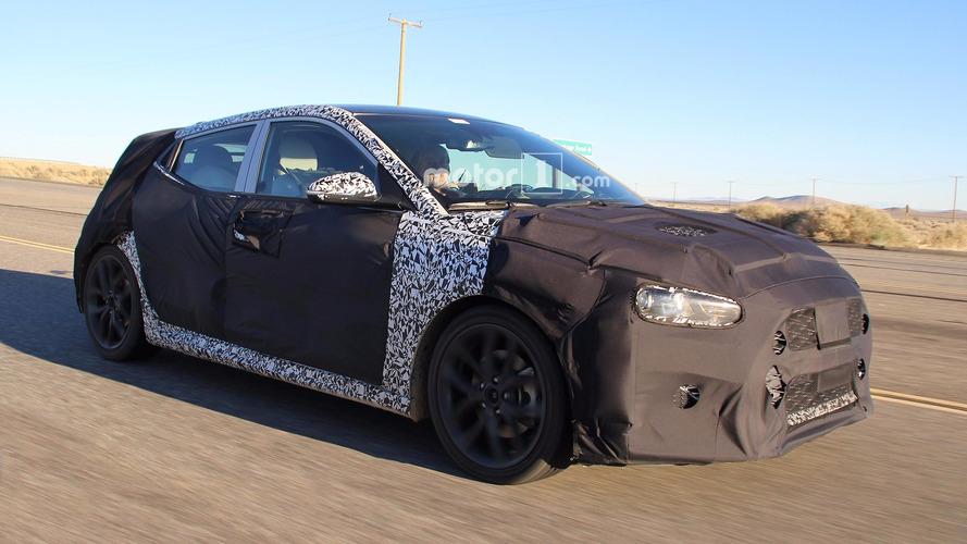 Flagra: Hyundai Veloster 2018 é pego novamente em testes