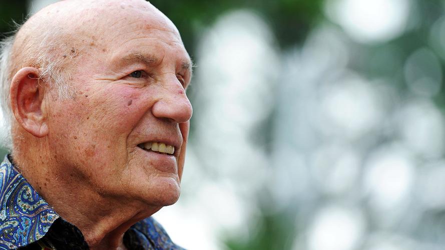"""Após """"grave"""" infecção, Stirling Moss se recupera em hospital"""
