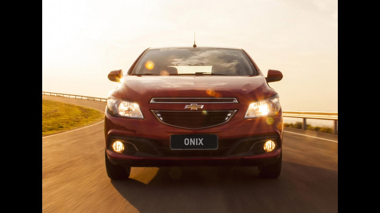 Onix à frente do HB20 na 1ª quinzena de maio; briga quente entre Corolla e Civic