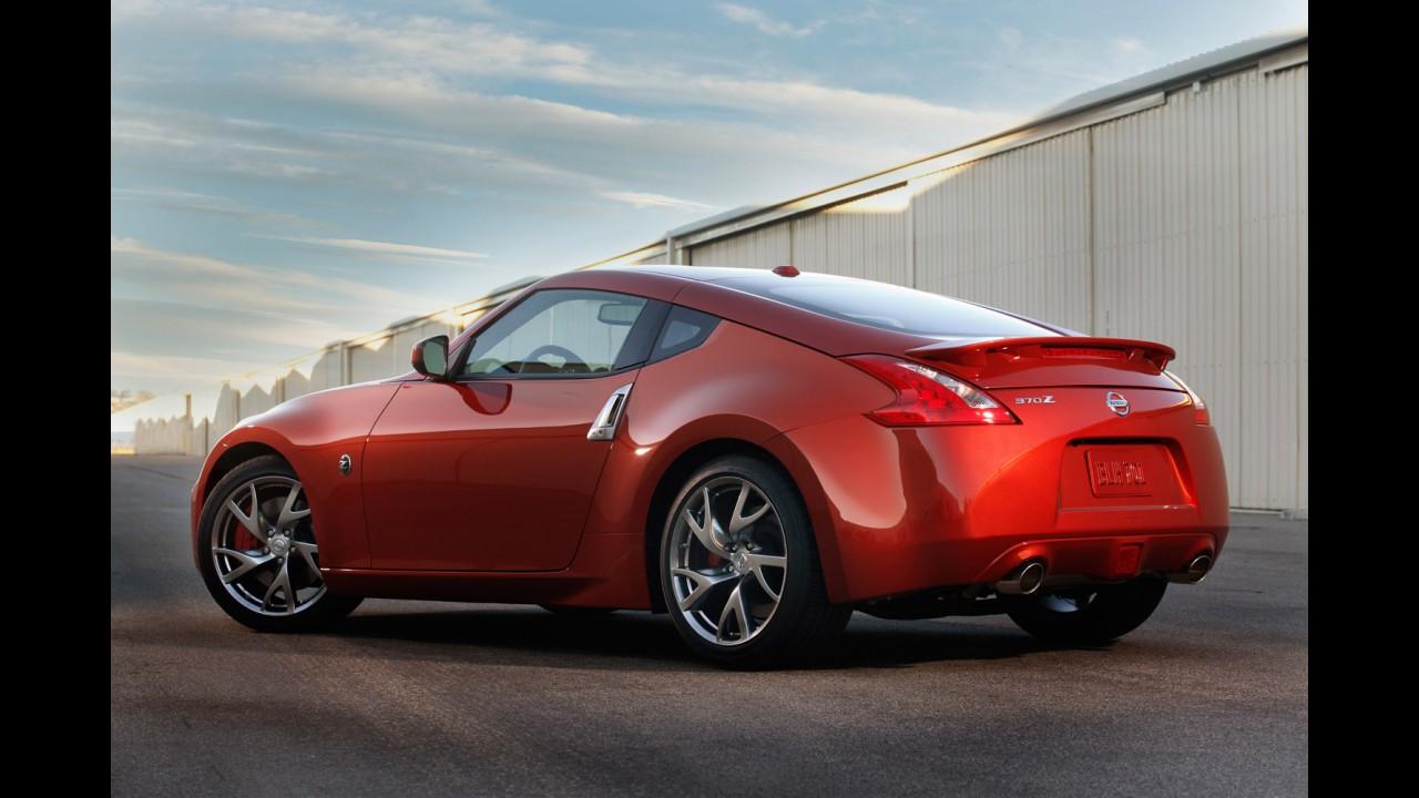 Nissan atualiza visual do 370Z para a linha 2012