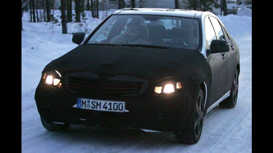 Erwischt: Die neue Mercedes C-Klasse im leichten Tarnanzug