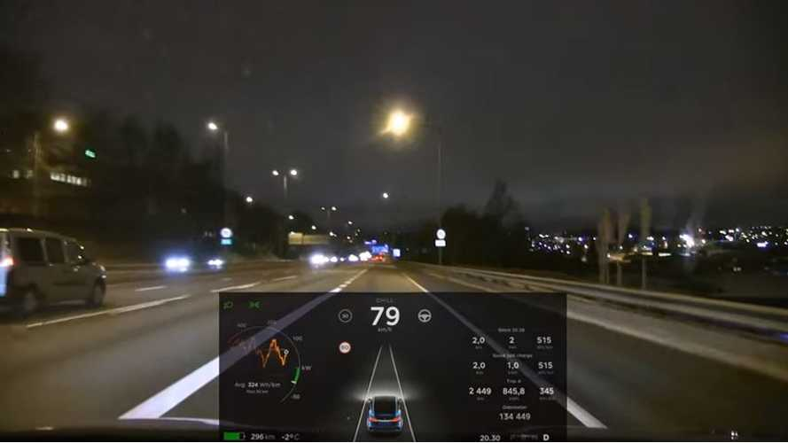 Chill Mode Tested In Tesla Model X P90DL - Video