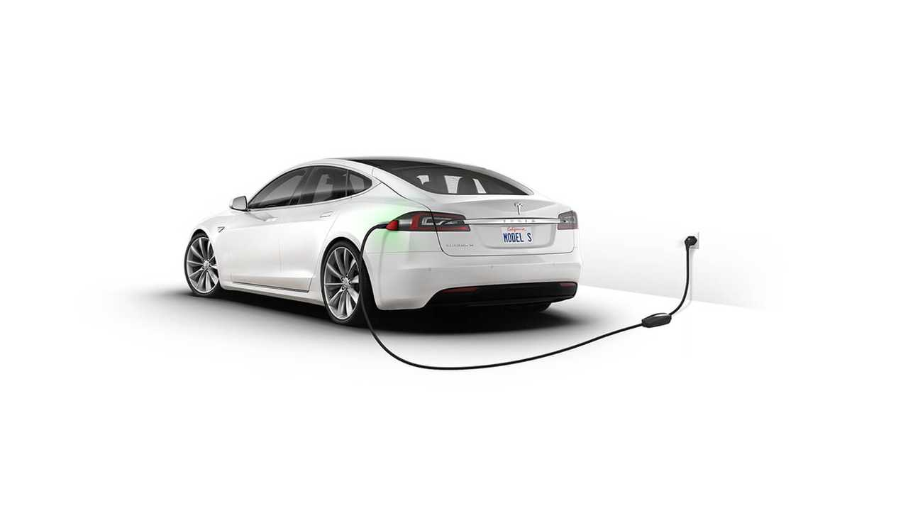 Tesla Ends Orders For Model S RWD, Offers Up Inventory Cars Instead