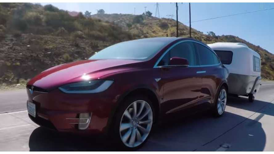 Edmunds Tests Tesla Model X Towing - Video