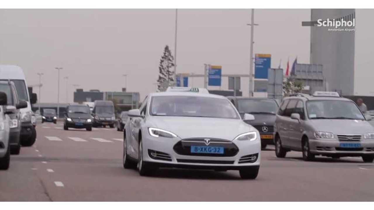 Tesla Model S Taxi in Amsterdam