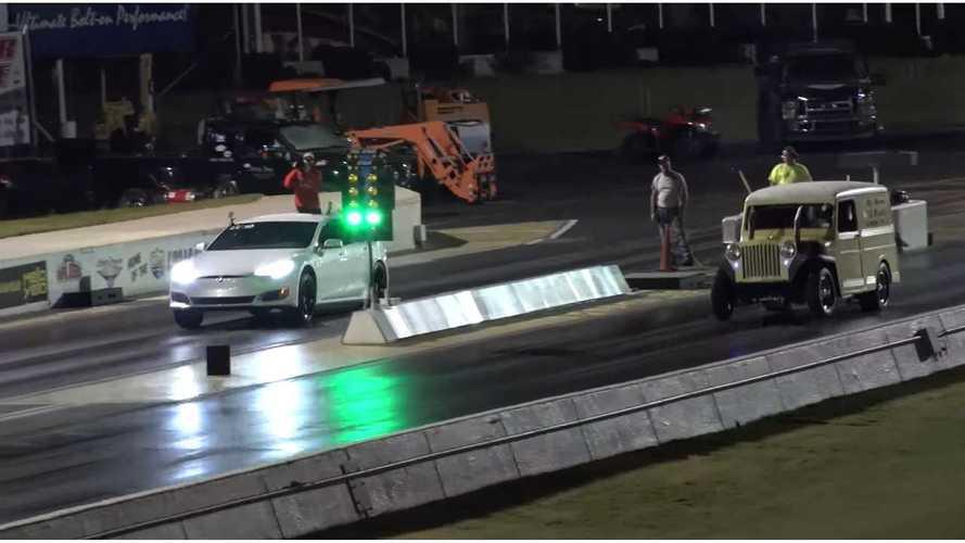 Gutted Tesla Model S P100D Kickin' It At Drag Strip - Video