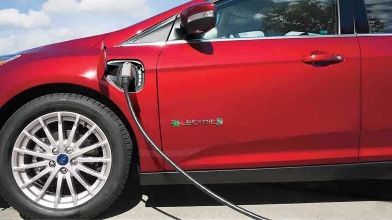 2017-ford-focus-electric-ccs-plug