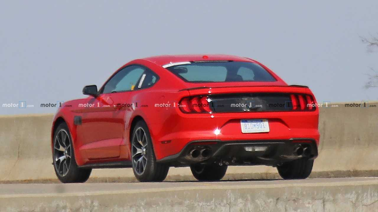Ford Mustang Spy Photo