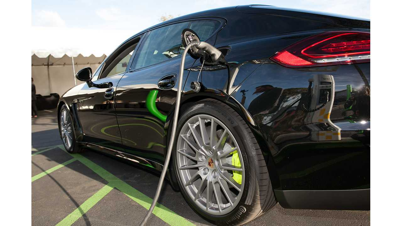 Porsche Panamera S E-Hybrid Featured In Fully Charged