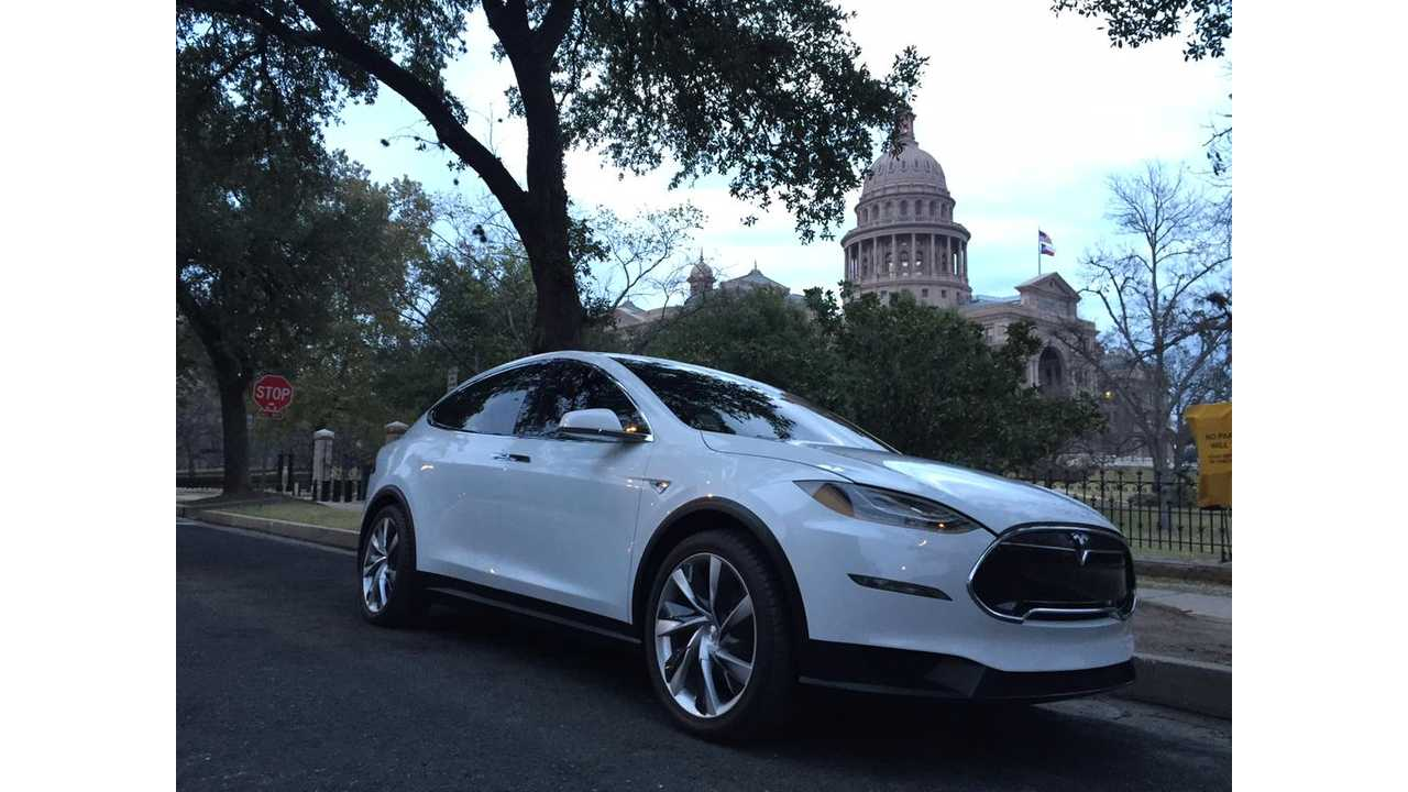 Tesla Model X Spent Some Time Promoting Tesla's Boutique Store Program In Texas This Month - Hopefully A Lot Of Copies Also Spend Some Time In Consumer's Driveways