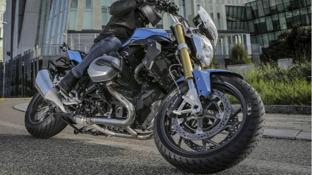 Metzeler Roadtec 01 Tire Review — Dr. Moto Review