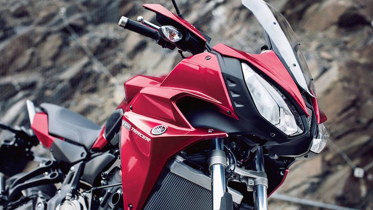 2016 Yamaha XSR700 Bike Review Action (10) - Bike Review
