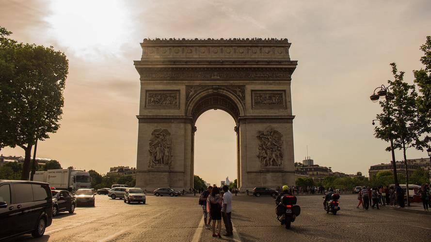 Paris bientôt amputé de la moitié de ses places de stationnement