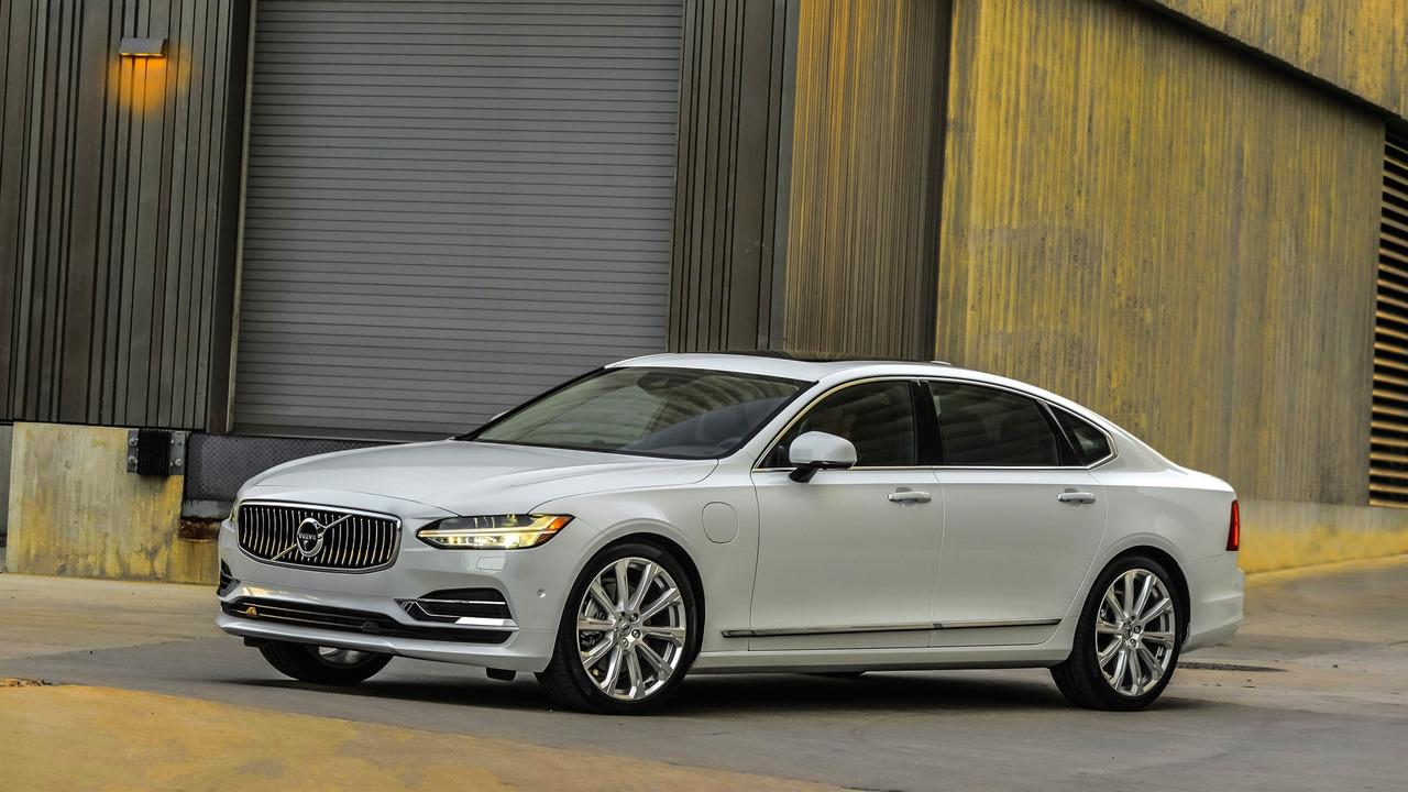 6. Luxury Car: Volvo S90