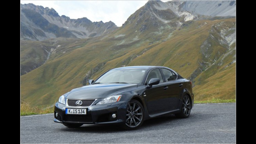 Alpentour im Lexus IS-F