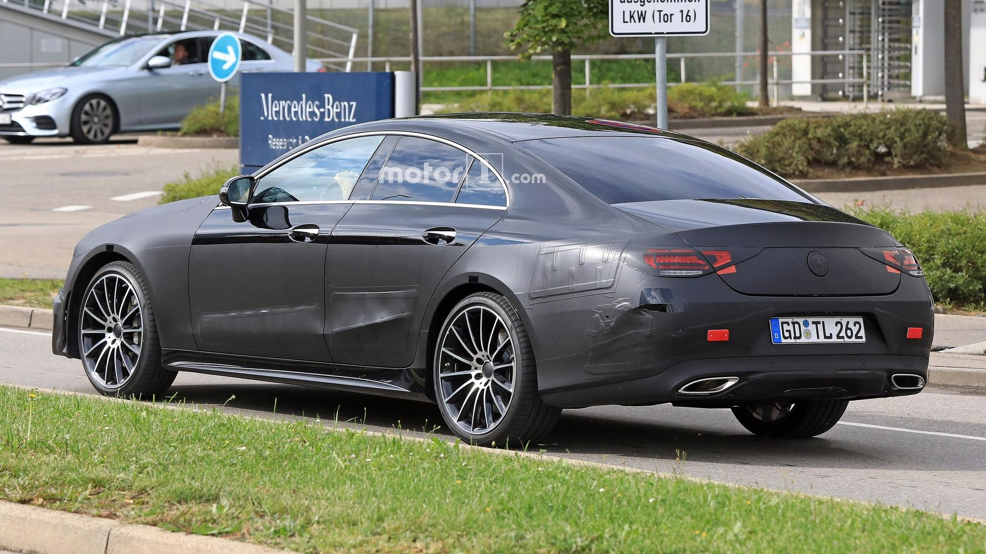 New Mercedes Cls Spotted With Barely Any Camo On Its Elegant Body